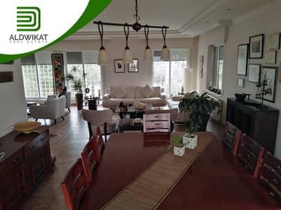 فلیٹ 6 غرف نوم للايجار في الحمر، عمان - شقة دوبلكس طابق اول مع روف للايجار في الحمر مساحة البناء 450 م مساحة الترس 50 م