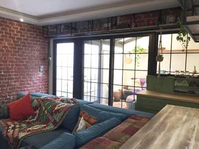 فلیٹ 2 غرفة نوم للايجار في أم أذينة، عمان - شقة مفروشة مع ترس للإيجار السنوي في أم أذينة بمساحة 110 متر مربع