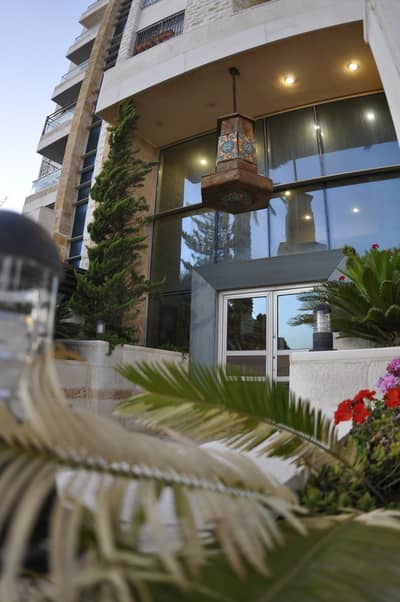 4 Bedroom Flat for Sale in Rabyeh, Amman - Apartment in Rabyeh with stunning views for sale