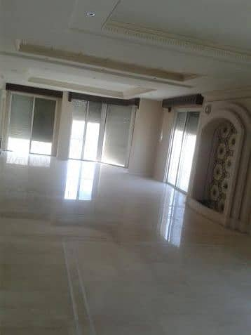 4 Bedroom Flat for Sale in Shmeisani, Amman - Photo