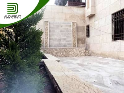 3 Bedroom Flat for Sale in Al Jubaiha, Amman - Semi-ground apartment for sale in Al Jubaiha, building area 200 SQM - terrace area 130 SQM