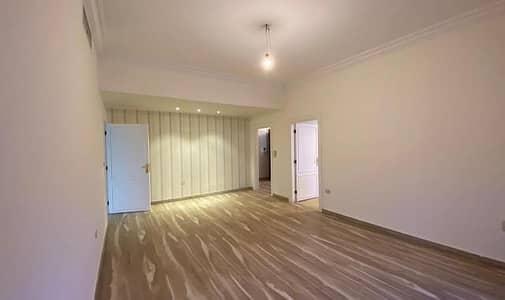 فلیٹ 4 غرف نوم للبيع في الرابية، عمان - شقة طابقية للبيع في الرابية مساحة الشقة 355 م2 بديكورات فاخرة