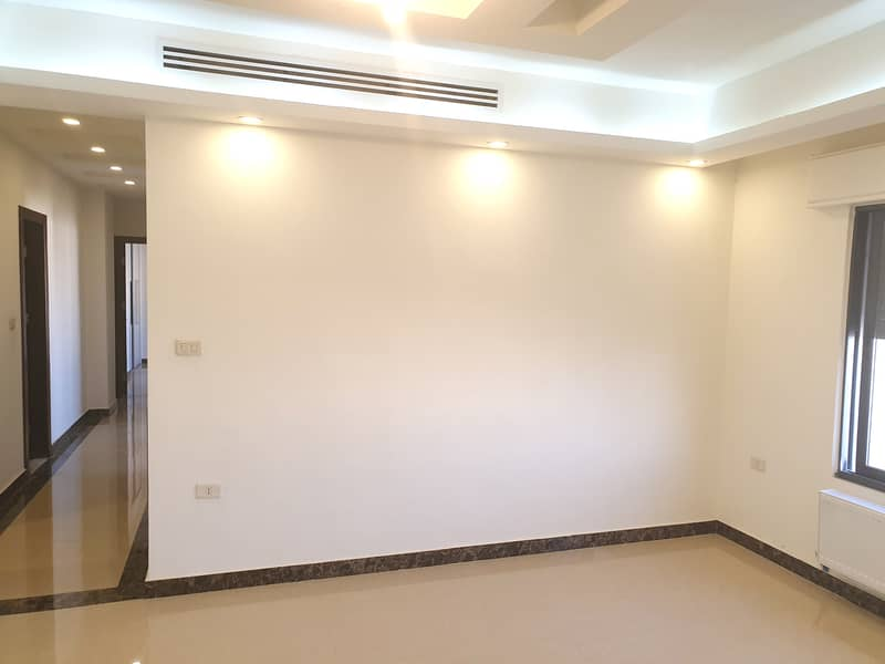 Empty ground apartment for rent in Rabieh | 170 SQM