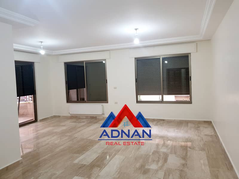 Empty apartment for rent in Rabyeh | 200 SQM