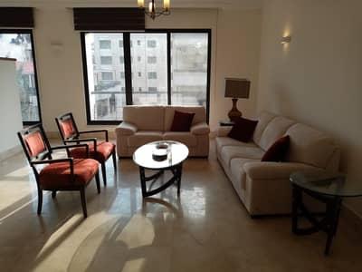فلیٹ 3 غرف نوم للايجار في الدوار الرابع، عمان - Mid floor Apartment for rent in 4th Circle  | 190 SQM