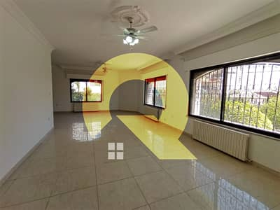 فلیٹ 4 غرف نوم للايجار في عبدون، عمان - طابق ارضي من فيلا للإيجار في اجمل مناطق عبدون | 350م2