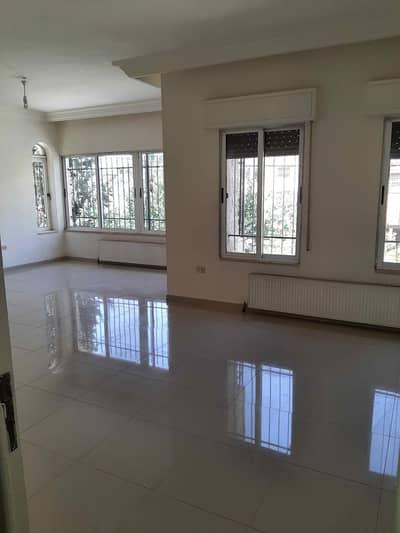 فلیٹ 3 غرف نوم للايجار في الجاردنز، عمان - شقة فارغة للايجار في الجاردنز 178م2