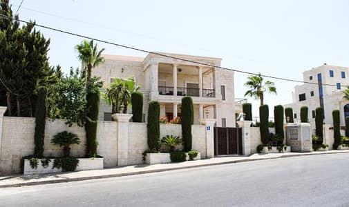 فیلا 6 غرف نوم للبيع في شارع المطار، عمان - فيلا فاخرة للبيع في اجمل مناطق طريق المطار مساحة البناء 2000 متر والارض 1700 متر