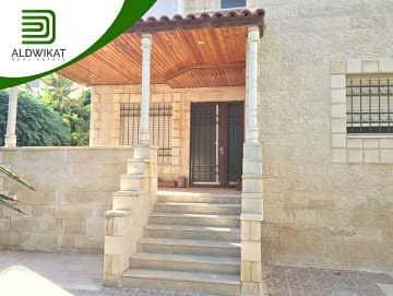 فیلا 4 غرف نوم للبيع في الجبيهة، عمان - فيلا مستقلة للبيع في الجبيهة بمساحة بناء 475 م2 و مساحة ارض 546 م2