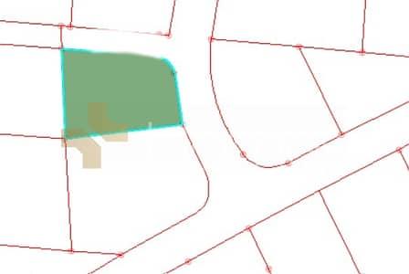 ارض تجارية  للبيع في أم أذينة، عمان - Photo