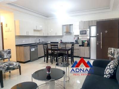 فلیٹ 2 غرفة نوم للايجار في الشميساني، عمان - شقة جديدة فخمة مفروشة للإيجار في الشميساني