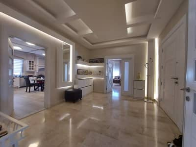 فلیٹ 5 غرف نوم للبيع في خلدا، عمان - شقة أخير مع روف طابقية مع ترس للبيع في أجمل مناطق عمان - خلدا، مساحة بناء إجمالية 455 م