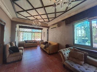فیلا 4 غرف نوم للبيع في الكرسي، عمان - فيلا متلاصقة مع حديقة وترسات للبيع في الكرسي، مساحة بناء 380 م