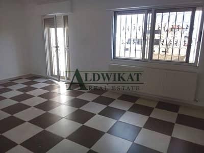 4 Bedroom Villa for Rent in Dabouq, Amman - فيلا متلاصقة للايجار في دابوق ام بطيمه مساحة البناء 500 م مساحة الارض 400 م