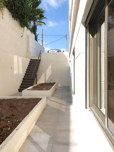 2 Bedroom Flat for Sale in Abdun, Amman - شقه مع حديقه للبيع في ارقى مناطق عبدون