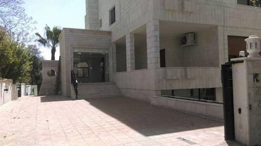 مجمع تجاري 12 غرف نوم للايجار في عبدون، عمان - Photo