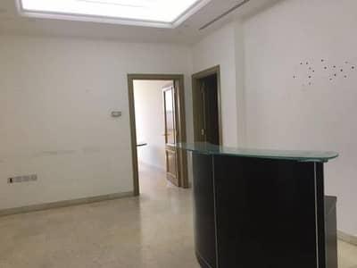 مکتب  للايجار في العبدلي، عمان - Photo